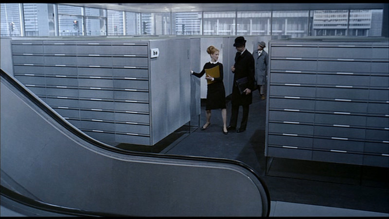 jacques tati s playtime Jacques tati (french:  tati's playtime (1967) ranked 43rd in the 2012 sight & sound critics' poll of the greatest films ever made as david bellos puts it, tati, from l'ecole des facteurs to playtime, is the epitome of what an auteur is (in film theory) supposed to be: the controlling mind behind a vision of the world on film.