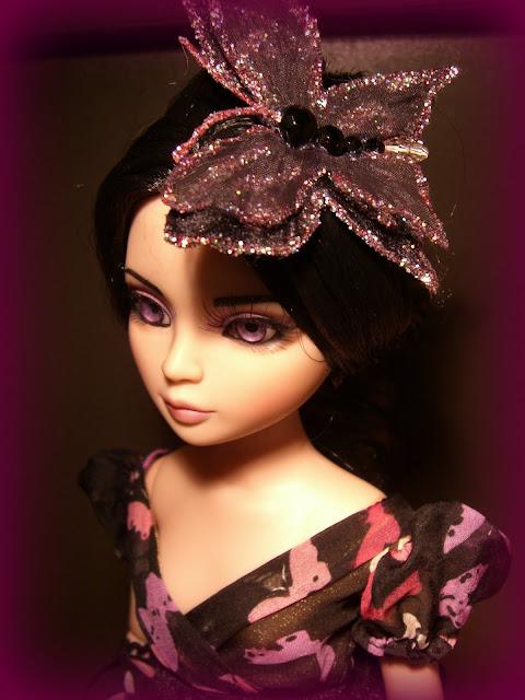 La sorcière de Sandra San a enfin trouvé sa tenue et sa coiffure (Woefully Bewitching) 013