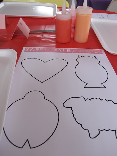 Templates for planning (I just winged it) and Dani's famous icing bottles.