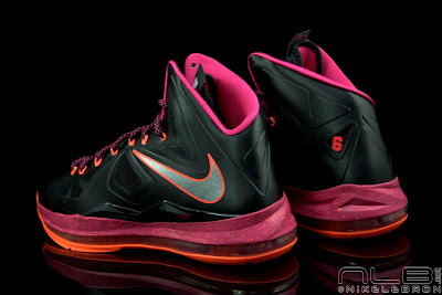 lebron10 floridians 37 web black The Showcase: Nike LeBron X Miami Floridians Throwback