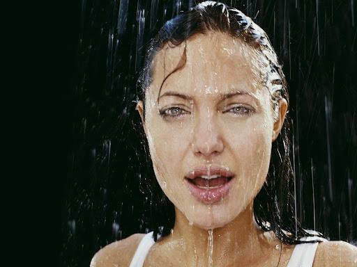 Angelina Jolie-230