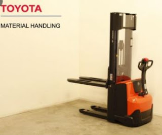 Stacker Toyota SWE120 0909648178