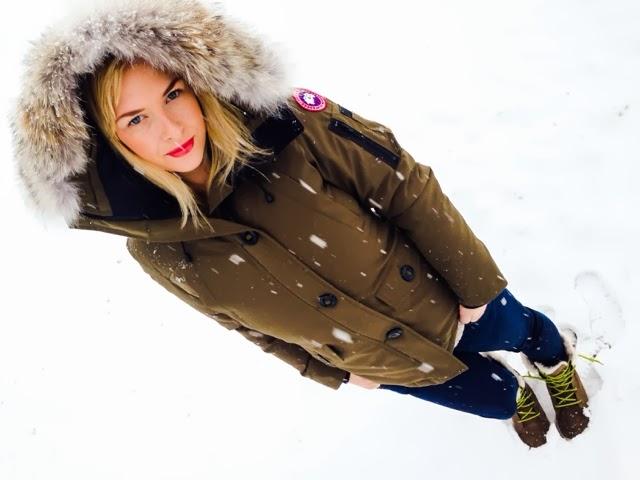 k-fashion-clothing-green-canada-goose-jacket