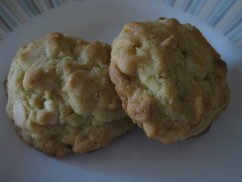 White chocolate-clementine cookies