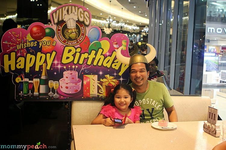 peanutbutter♥'s Birthday Dinner at Vikings