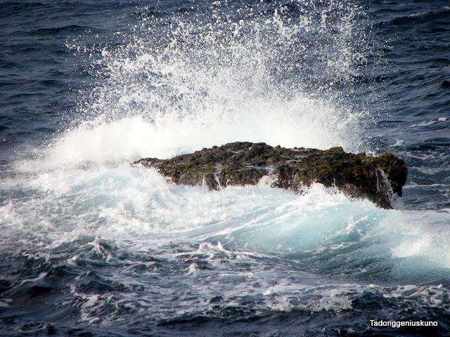 batanes wave