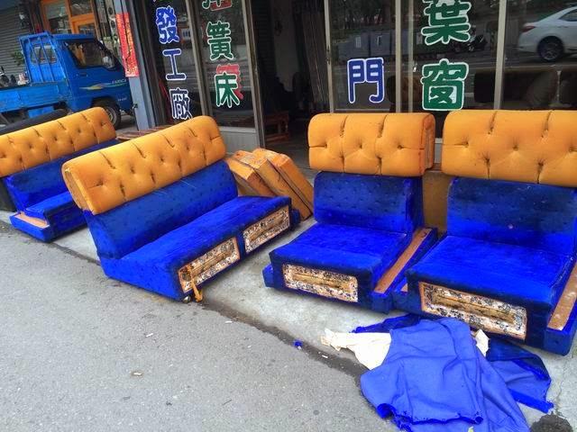 老舊老舊沙發