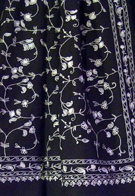 Full-surface embroidery on 70% pashmina/30% silk shawl