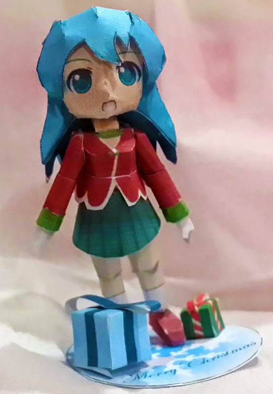 Christmas Miku Papercraft
