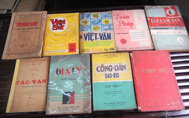 Sách giáo khoa tiểu học cũ - nơi lưu giữ từng trang ký ức DSCN2784