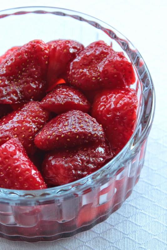 Fresas maceradas con azúcar y vinagre