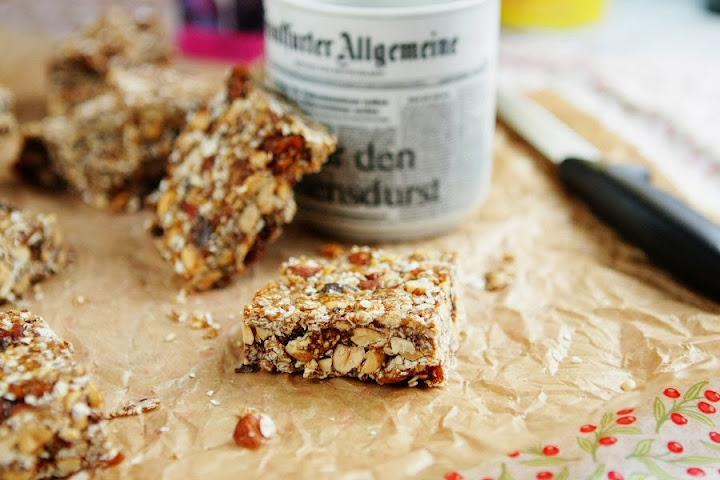 no bake molasses granola bars