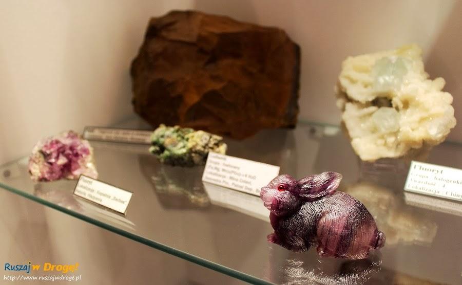 Muzeum Minerałów w Świętej Katarzynie - króliczek z fluorytu