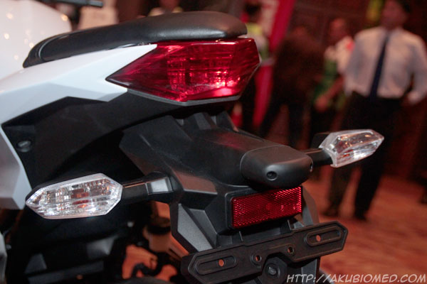 lampu brek ninja 250