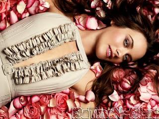 Alicia Silverstone hollywood star