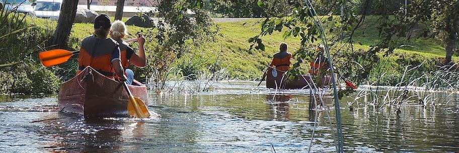 Kanuumatkajad Tartu lähedal Amme jõel
