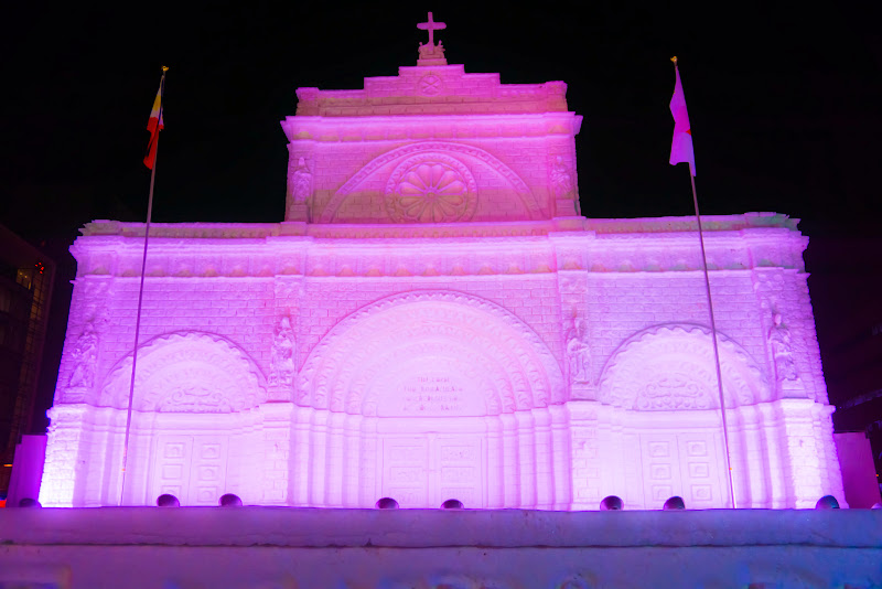 さっぽろ雪まつり マニラ大聖堂 ライトアップ 写真
