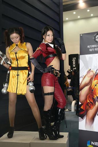 Người mẫu xứ Hàn gợi cảm với cosplay Age of Heroes 9