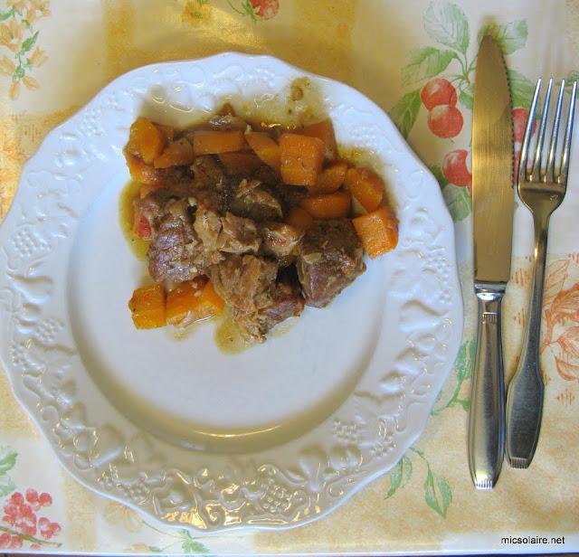 Sauté de porc carottes avec le Parvati solar cooker IMG_0009-1