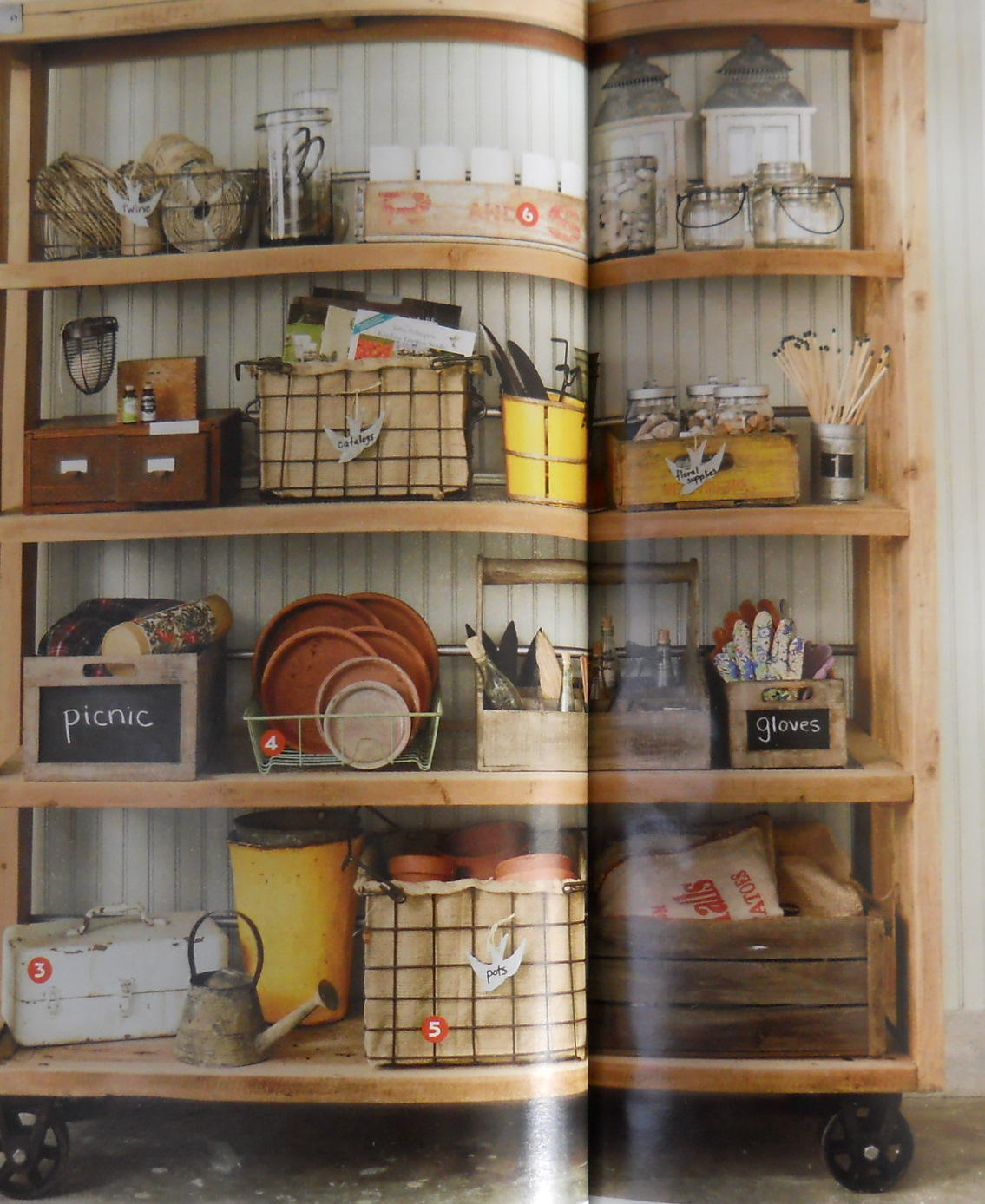 Shedplan small garden sheds with shelves for Garden shed organization ideas