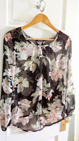 The details of this Papermoon Rebecca Floral Print and Lace Blouse are lovely