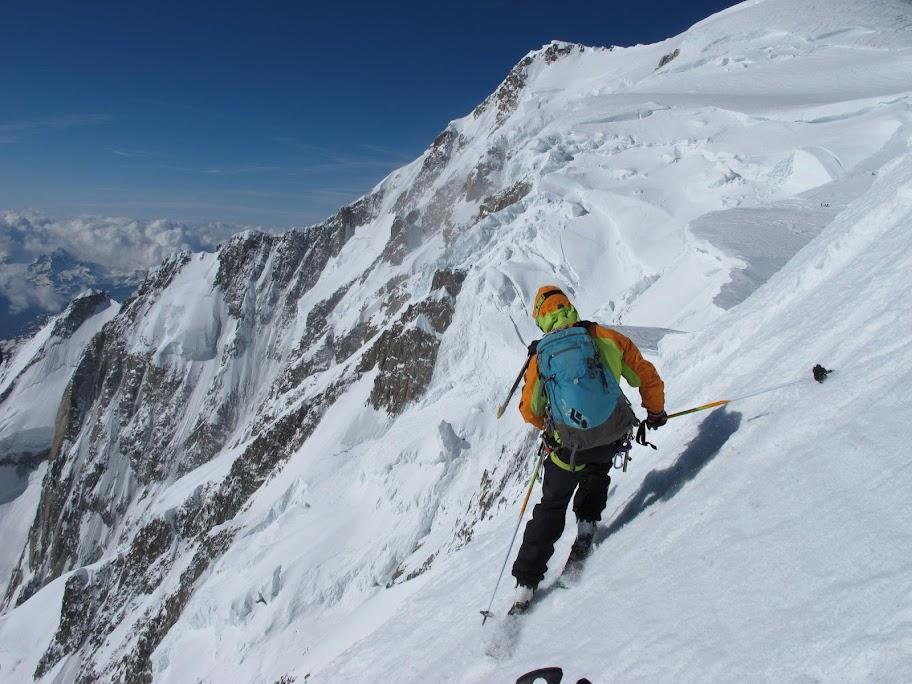 Un tranquillo weekend di paura - parete Sud del Monte Bianco 465923_375282265861822_1702081178_o