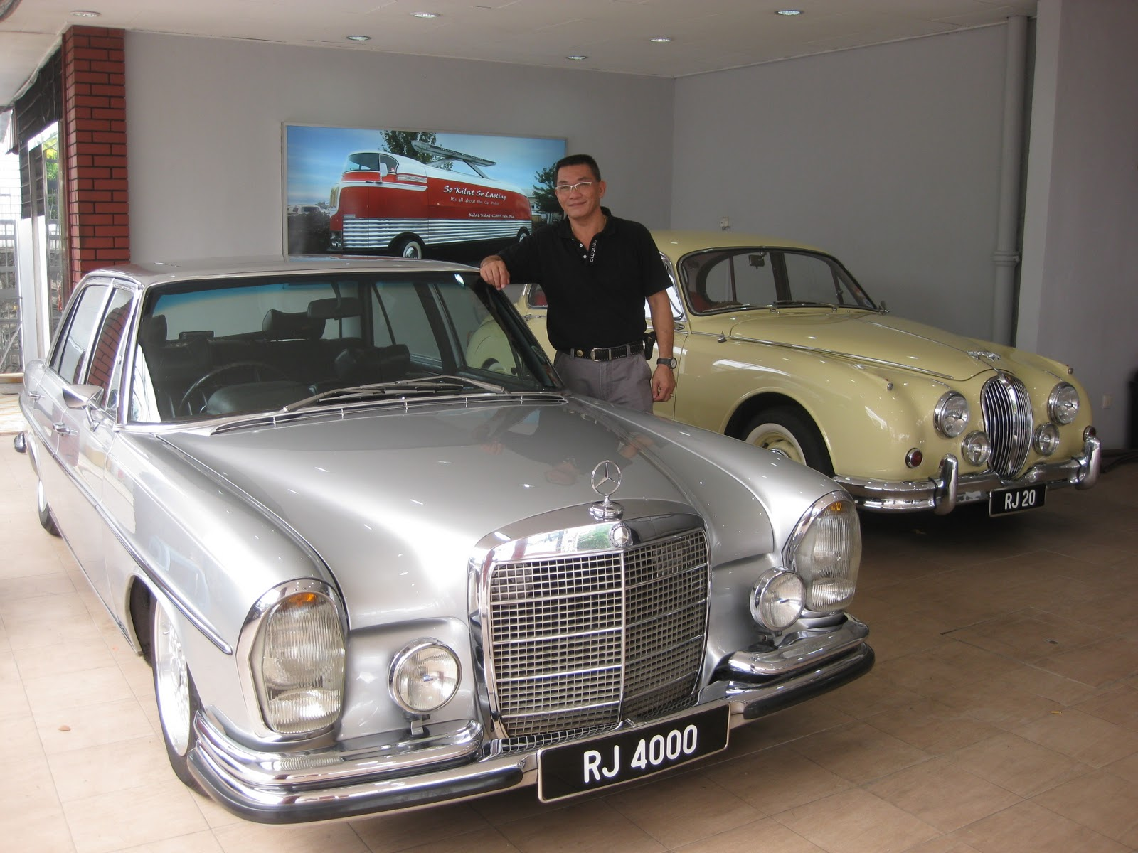 Peggy Loh ~ My Johor Stories: Cool classic cars