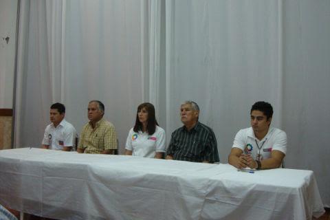 Autoridades en la puesta en marcha del programa en la cabecera municipal