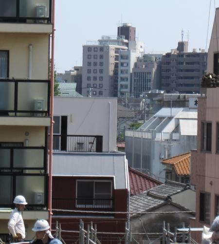 ヒカルの家の背景(讀賣新聞)