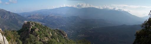 ...avec un point de vue panoramique qui embrasse tout l'est