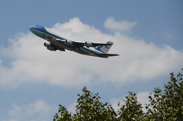 Air Force One over NC - Canon EOS 7D, 18-135mm IS @87mm, 1/1250 @ f5.6, ISO 100