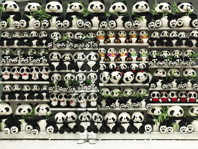 *貨真價實的隱形人:中國藝術家劉勃麟(Liu Bolin)隱形系列攝影作品! 4