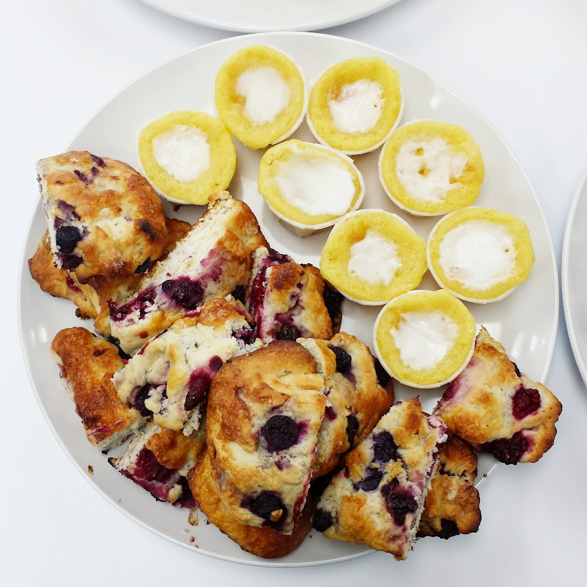 Mini Lemon Cakes and Multi-Berries Scones via design. bake. run.