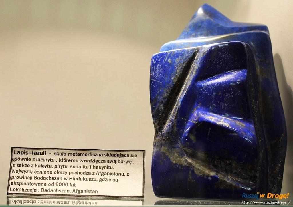 Muzeum Minerałów w Świętej Katarzynie - kamień lapis lazuli