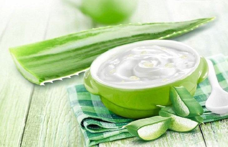 Sử dụng trực tiếp dầu dừa lên vết chàm, làm giảm triệu chứng