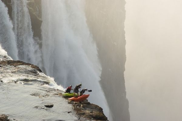 14Extreme kayaking at Victoria Falls
