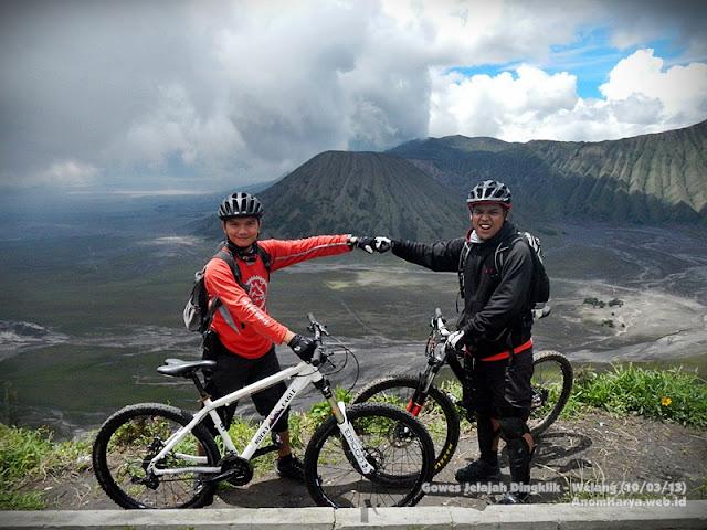 View Gunung Batok & Lautan Pasir dari daerah Dingklik