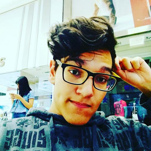Gabriel Aquino Photo 22