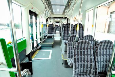 Van Hool Exqui.City - autobus hybrydowy zasilany CNG. Wnętrze autobusu