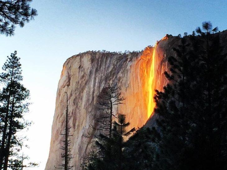 cachoeira de fogo