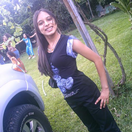 Bella Salas Photo 2