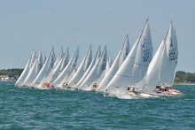 J/22 sailboat fleet- sailing fast off starting line