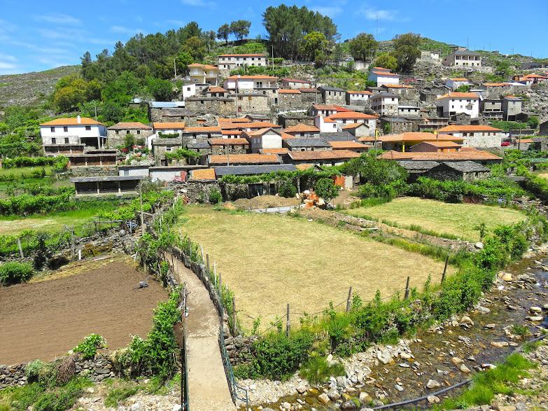Visitar DRAVE, a aldeia mágica e encantada da Serra da Freita (e as suas piscinas naturais) | Portugal