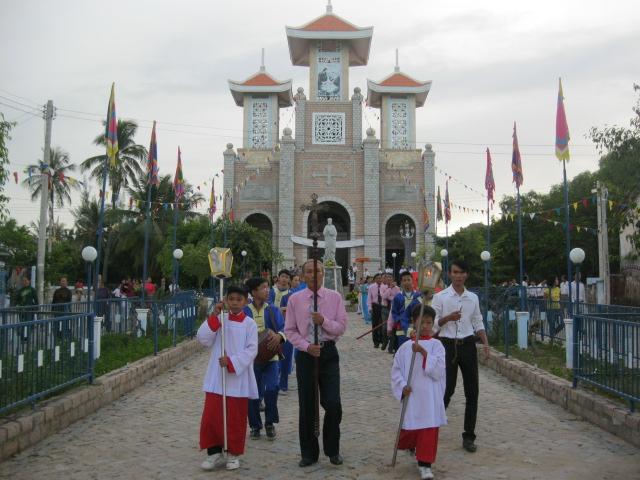 Giáo xứ Bình Chính long trọng mừng Lễ Thánh Bổn Mạng Phêrô