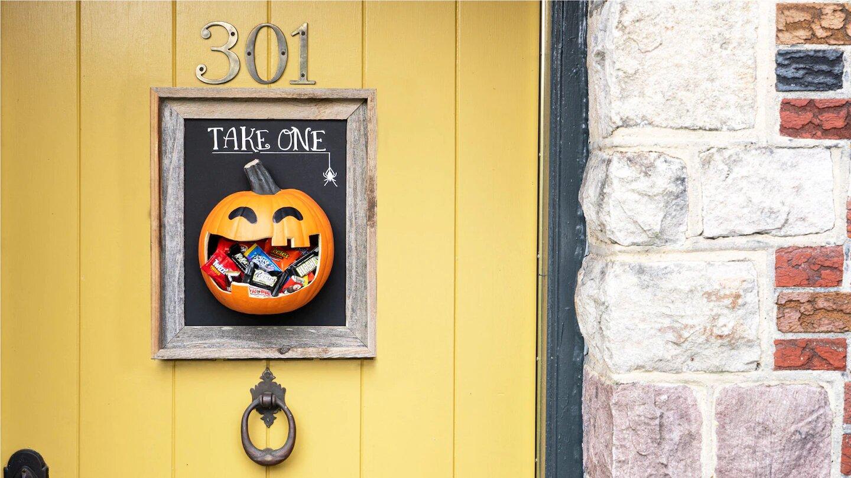 Halloween Door Candy Hanger Ideas