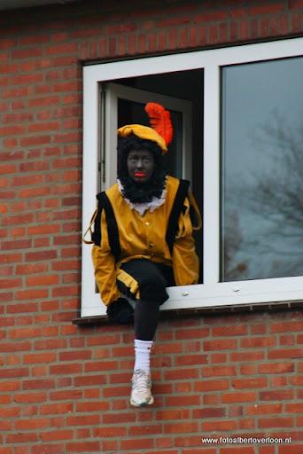 Sinterklaas komt aan bij Josefschool overloon 02-12-2011 (17).JPG