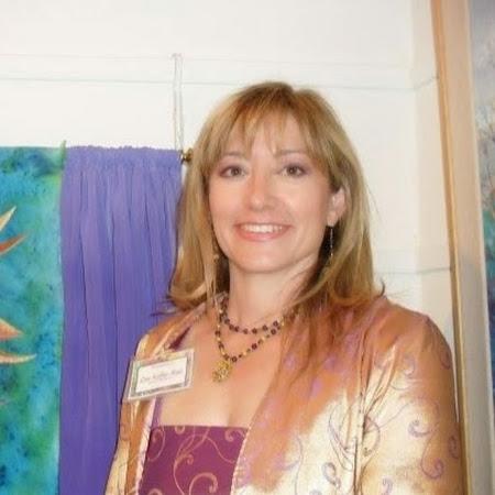 Profile picture of Lisa Ruiz
