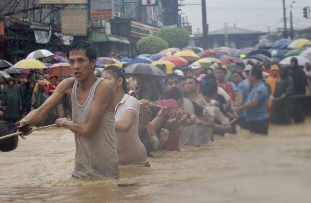 Mario Causes Flooding in Metro Manila with Pictures 20-09-2014-22