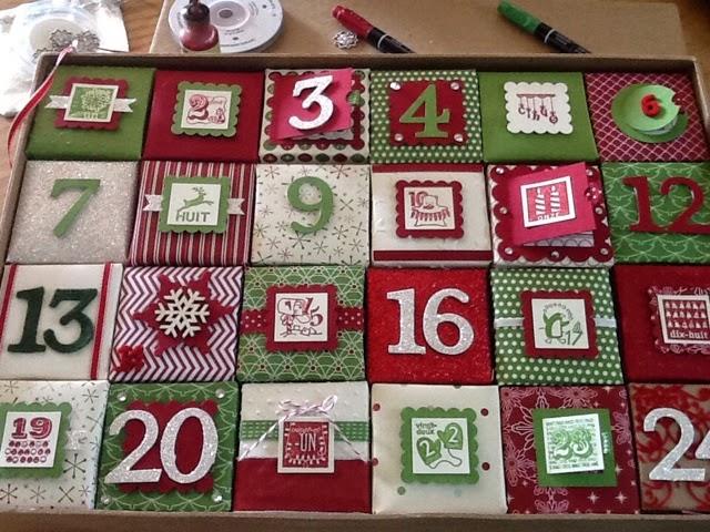 ancolies favorite scrap nouveau calendrier de l 39 avent en rouge et vert. Black Bedroom Furniture Sets. Home Design Ideas
