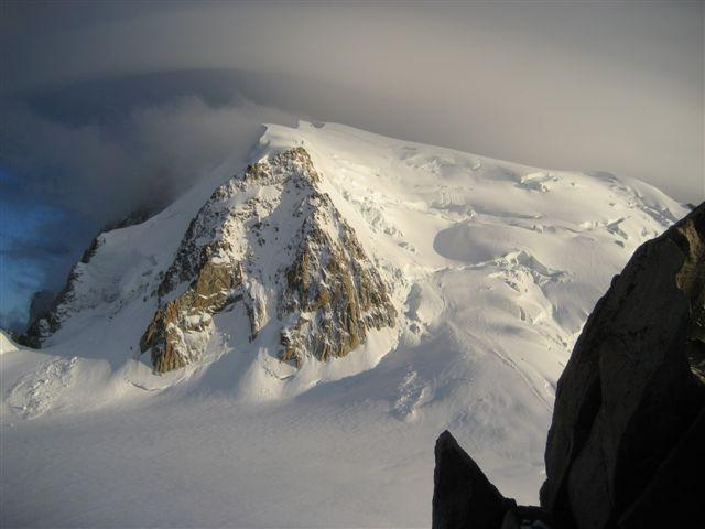 Avalanche Mont Blanc, secteur Mont Blanc du Tacul, Voie Normale - Photo 1 - © Guides de Haute Montagne